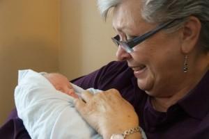 Για τη γιαγιά του μωρού που θηλάζει: πληροφορίες για το θηλασμό και ιδέες για να βοηθήσετε τη θηλάζουσα μαμά και το μωρό της.