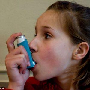 Ο θηλασμός πράγματι μειώνει τον κίνδυνο εμφάνισης άσθματος