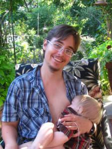 """""""Είμαι ένας τρανσέξουαλ μπαμπάς, που θηλάζει το μωρό του…."""""""