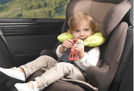 Σόφι η καμηλοπάρδαλη - μαξιλαράκι για το αυτοκίνητο