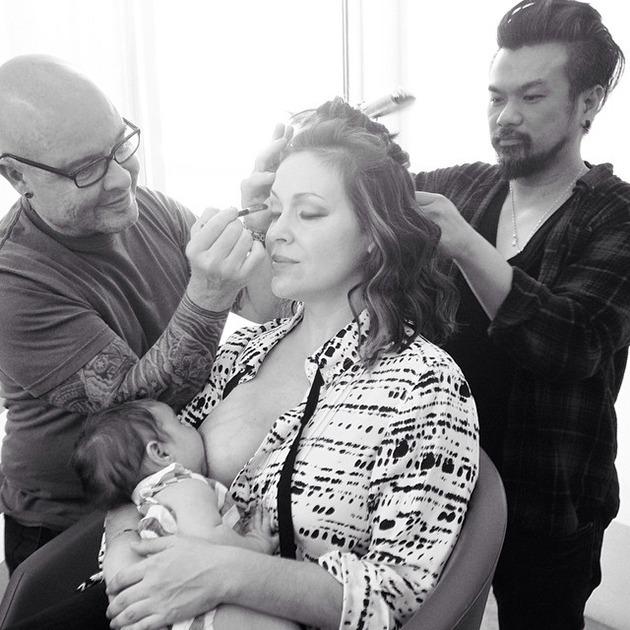 alyssa_milano breastfeeding at work
