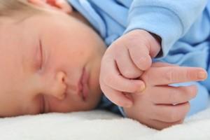 Τα μωρά είναι φυσιολογικό να ξυπνούν τη νύχτα!